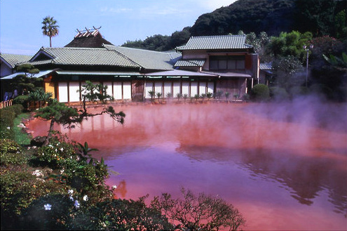 "The ""Bloody Pond Hell"" of Beppu, Japan.  (Source:  Panoramio.com)"