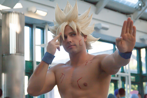 dragon ball cosplay super saiyan goku living ichigo anime expo