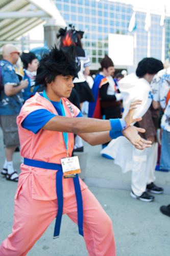 dragon ball cosplay goku at anime expo