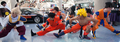 goku stretches dragon ball cosplay anime expo