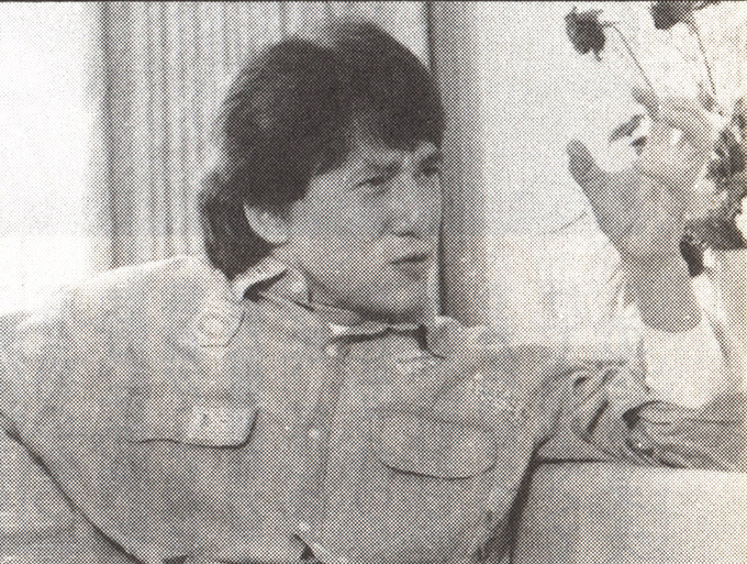 jackie chan focuses while talking to akira toriyama
